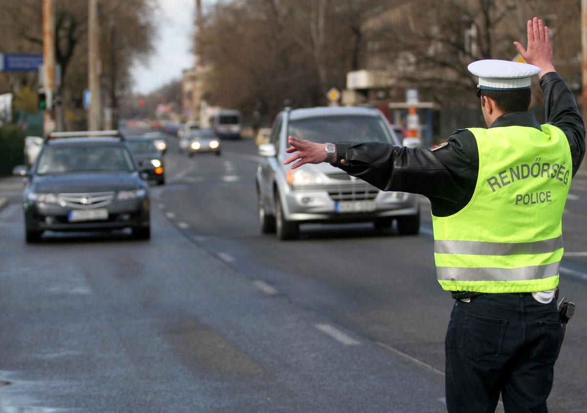 találkozó helyszínen rendőrök