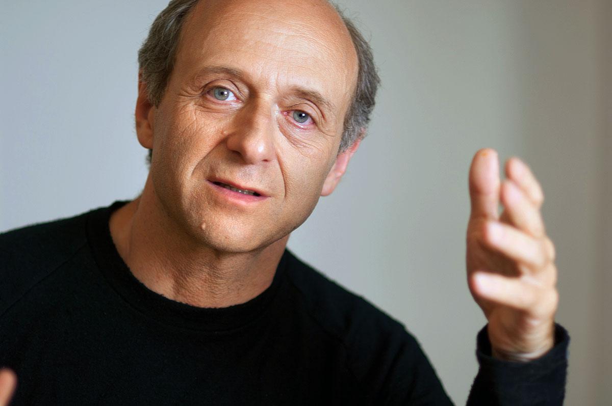 Kultúra: A Vörös Tehén: Fischer Iván a tiszaeszlári perről