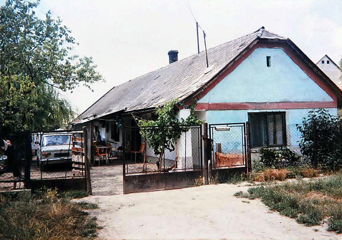 Itt élt Sümegh József