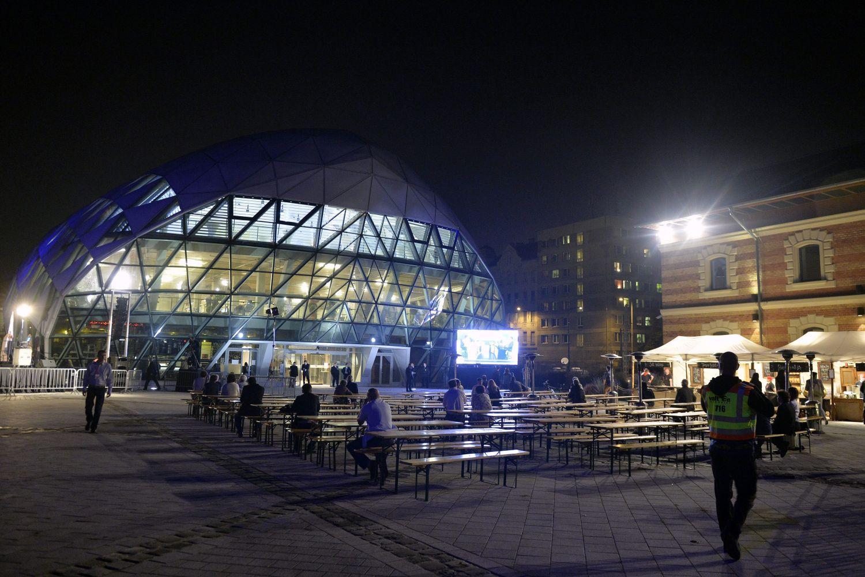 A kormányzatieredményváró helyszíne az ünneplés előtt