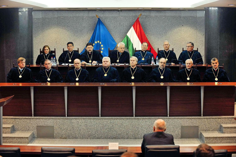 Az alkotmánybírák 2012-ben