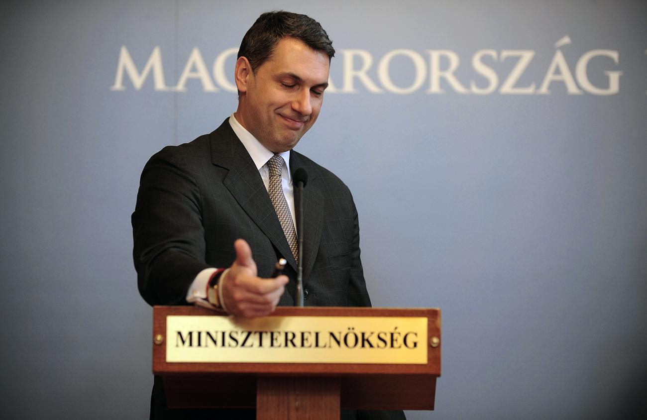 Lázár János Miniszterelnökséget vezető miniszter. A törvénymódosítási javaslat lenne a kisebbik rossz
