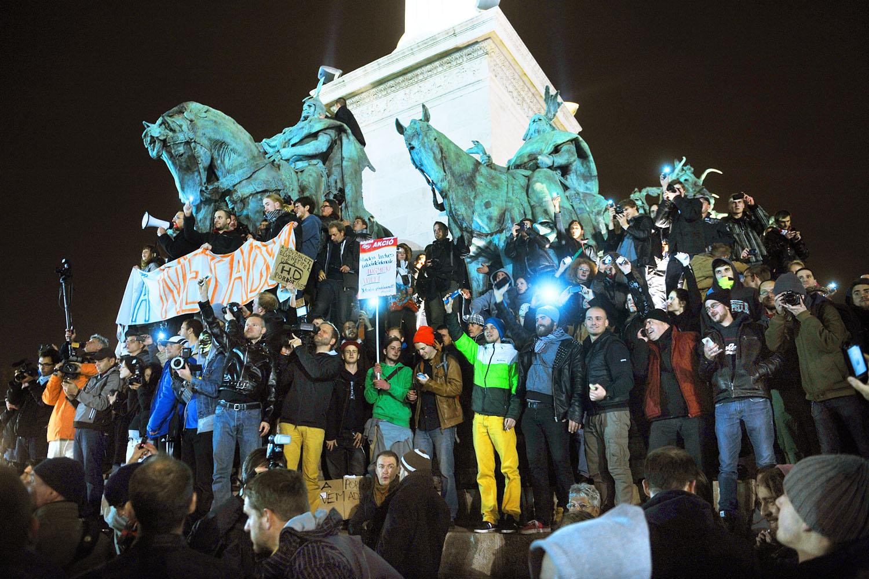 Amikor belovagoltak... A netadó elleni első tiltakozás