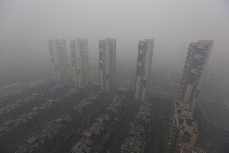 Szmogba fulladt felhőkarcolók Kínában, Shenyangban: ilyet még ők sem láttak