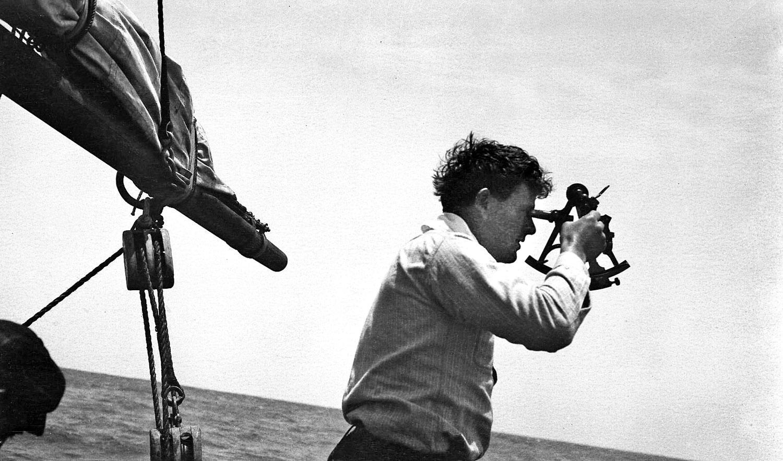 A tizenhét éves Jack 1893-ban elszegődött egy Japánba tartó fókavadászhajóra, ez volt az első kalandja