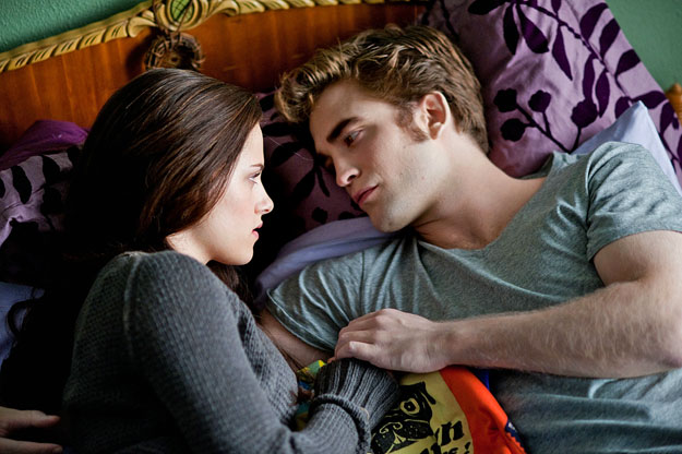 Kristen Stewart és Robert Pattinson. TWILIGHT